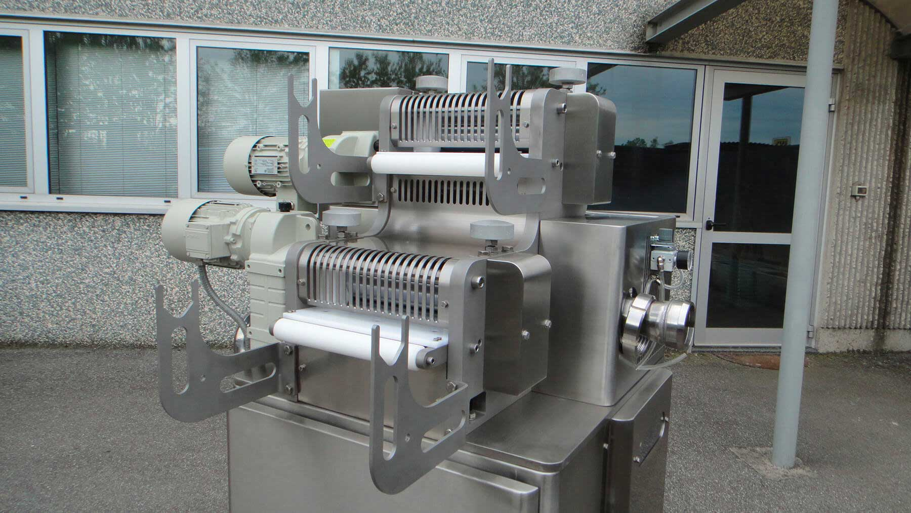 AUTOMATIC RAVIOLI FORMING MACHINE model TA/250